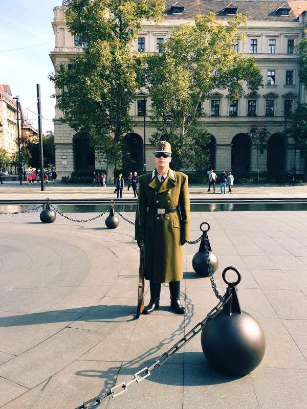 Parlament v Budimpešti - menjava straže