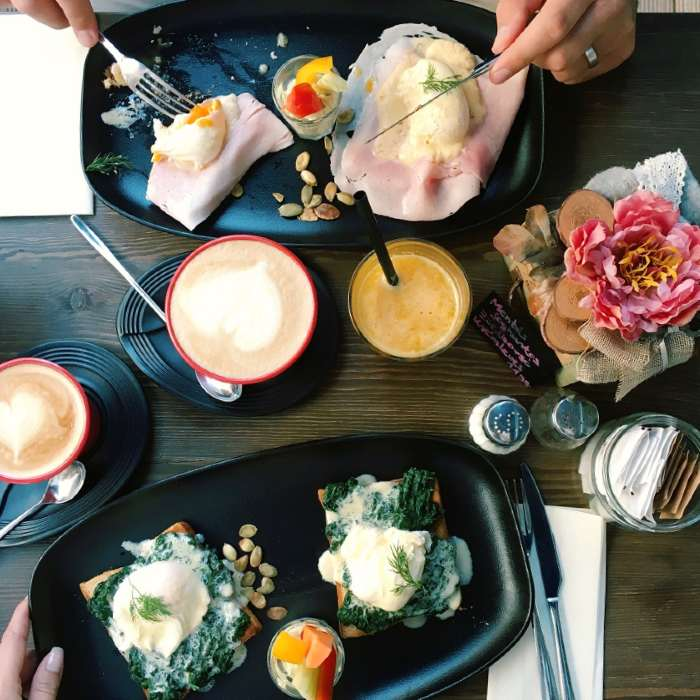 Zajtrk v Budimpešti - A table Madach Boulangerie