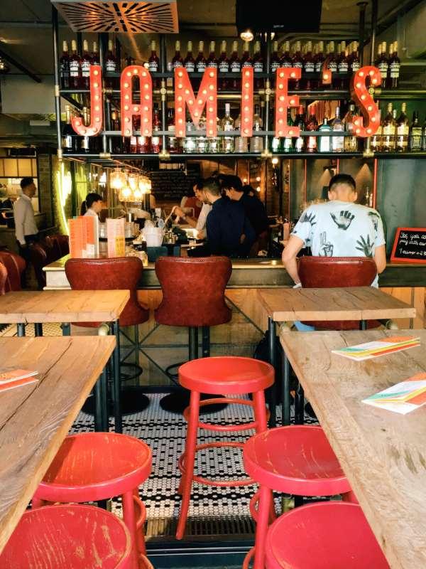 Jamie's Italian - interior