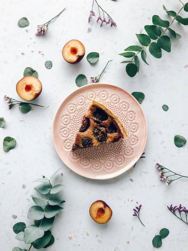 Rustikalna slivova pita po domače